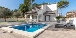 Modern villa for sale not far to Port Adriano (Thumbnail 1)