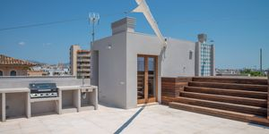 Luxury penthouse in Palma with rooftop pool (Thumbnail 4)