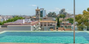 Luxury penthouse in Palma with rooftop pool (Thumbnail 1)