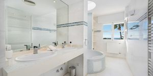 Villa in Santa Ponsa - Modernes Anwesen mit Meerblick (Thumbnail 9)