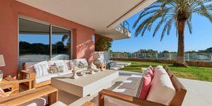 Erdgeschoss-Wohnung mit Garten in toller mediterraner Anlage mit Panoramablick und Pool (Thumbnail 1)