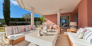 Erdgeschoss-Wohnung mit Garten in toller mediterraner Anlage mit Panoramablick und Pool (Thumbnail 7)