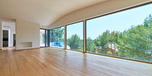 Luxurious family villa with partial sea views in Cas Catala (Thumbnail 7)
