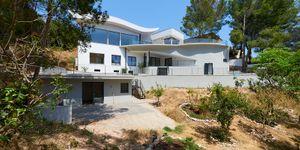 Luxurious family villa with partial sea views in Cas Catala (Thumbnail 10)