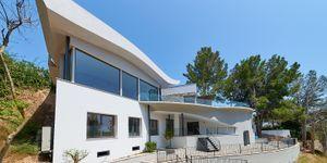 Luxurious family villa with partial sea views in Cas Catala (Thumbnail 5)