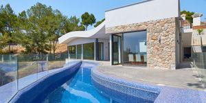 Luxurious family villa with partial sea views in Cas Catala (Thumbnail 8)