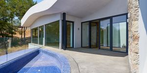 Luxurious family villa with partial sea views in Cas Catala (Thumbnail 9)