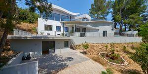Luxurious family villa with partial sea views in Cas Catala (Thumbnail 1)