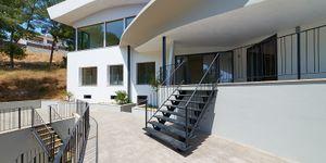 Luxurious family villa with partial sea views in Cas Catala (Thumbnail 6)