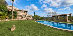 Historic finca with a beautiful country house in an idyllic location with mountain views in Montuiri (Thumbnail 3)