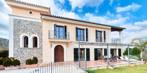 Magnificent country style villa in Es Capdella (Thumbnail 1)