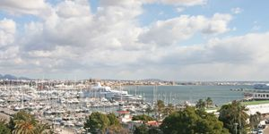 Großes Appartement in Palma mit Meer- und Hafenblick – nach Ihren Wünschen zu sanieren (Thumbnail 1)
