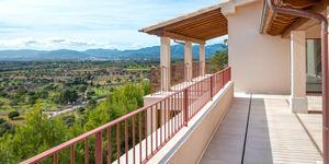 Finca in Bunyola - Modernes Anwesen mit Panoramablick bis zur Bucht von Palma (Thumbnail 2)