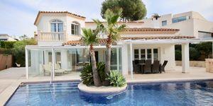 Moderne Villa in exklusiver Wohnlage (Thumbnail 1)