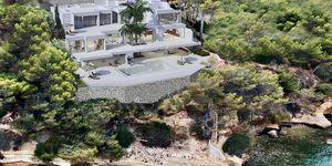 Luxusní vila u moře v Cala Vinyas, Malorka (Thumbnail 1)