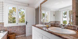 Villa in Santa Ponsa - Anwesen mit zwei mediterranen Luxusvillen mit Meerblick (Thumbnail 9)