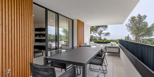 Luxury apartment in a newly built residence in Santa Ponsa (Thumbnail 2)