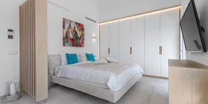 Villa in Santa Ponsa - Kernsanierte Immobilie mit Pool (Thumbnail 8)