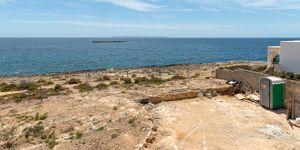Neugebaute moderne Villa in erster Meereslinie in Colonia Sant Jordi (Thumbnail 5)