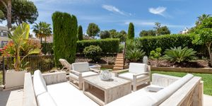 Renovated townhouse with private garden in Santa Ponsa (Thumbnail 4)