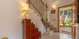 Mediterranean villa with partial sea views in a sought-after location of Santa Ponsa (Thumbnail 4)