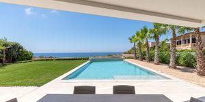 Modern frontline villa in El Toro (Thumbnail 4)