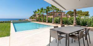 Modern frontline villa in El Toro (Thumbnail 5)