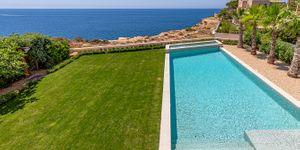 Modern frontline villa in El Toro (Thumbnail 3)