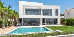 Modern frontline villa in El Toro (Thumbnail 2)