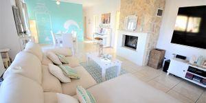 Großzügige Villa mit modernem Interior (Thumbnail 7)