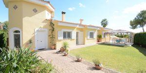 Großzügige Villa mit modernem Interior (Thumbnail 1)