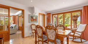 Charmante Villa mit viel Potential und Blick in die Bucht von Santa Ponsa (Thumbnail 10)