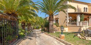 Charmante Villa mit viel Potential und Blick in die Bucht von Santa Ponsa (Thumbnail 4)