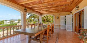 Charmante Villa mit viel Potential und Blick in die Bucht von Santa Ponsa (Thumbnail 8)