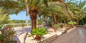Charmante Villa mit viel Potential und Blick in die Bucht von Santa Ponsa (Thumbnail 7)