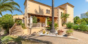 Charmante Villa mit viel Potential und Blick in die Bucht von Santa Ponsa (Thumbnail 1)