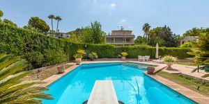 Charmante Villa mit viel Potential und Blick in die Bucht von Santa Ponsa (Thumbnail 2)