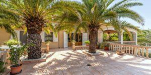 Charmante Villa mit viel Potential und Blick in die Bucht von Santa Ponsa (Thumbnail 3)