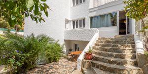 Unique villa with partial sea views in Costa de la Calma (Thumbnail 5)