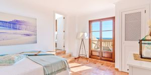 Charming sea view penthouse for sale (Thumbnail 8)