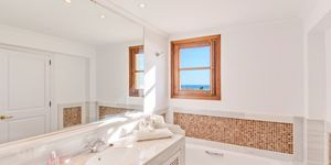 Charming sea view penthouse for sale (Thumbnail 9)