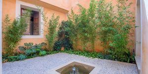Wunderschönes Neubau-Appartement in Altstadthaus mit Innenhof in Palma (Thumbnail 1)