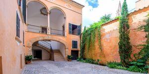 Wunderschönes Neubau-Appartement in Altstadthaus mit Innenhof in Palma (Thumbnail 3)