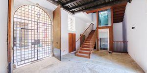 Neubau-Apartment in einem historischen Altstadtgebäude in Palma (Thumbnail 3)