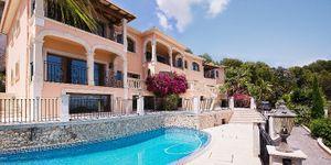 Splendid villa with sea views in Son Vida (Thumbnail 1)
