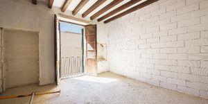 Neubau-Appartement in historischem Altstadthaus in Palma (Thumbnail 7)
