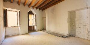 Apartment mit Terrasse in saniertem Altstadtpalast im Herzen von Palma (Thumbnail 5)