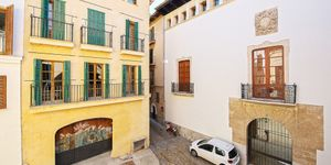 Apartment with terrace in a refurbished old town palace in the heart of Palma (Thumbnail 4)