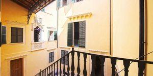 Schönes Apartment in saniertem Altstadtpalast in der Altstadt von Palma (Thumbnail 3)