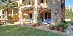 Luxurious garden apartment in well maintained complex in Santa Ponsa (Thumbnail 2)